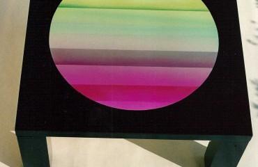 tavolo basso con dipinto centrale